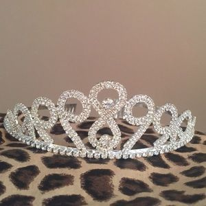 Beautiful tiara crown! Never worn!